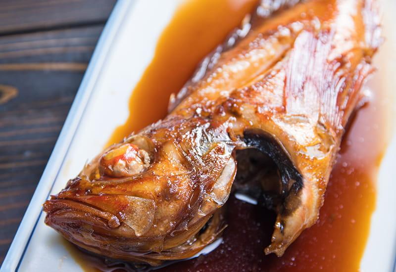 季節の地魚煮付け